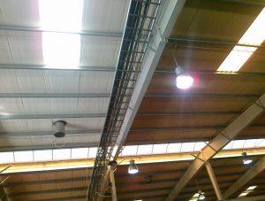 sufit w hali produkcyjnej - różnica