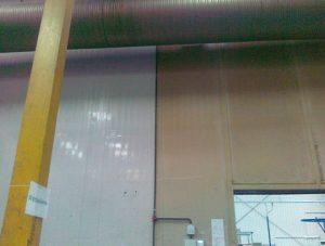 mycie ścian w budynku przemeysłowym