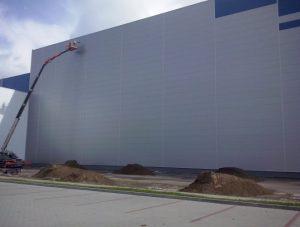 profesjonalne czyszczenie ścian w budynkach przemysłowych